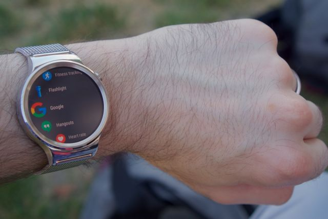 Google Will Launch Two Flagship Smartwatches in 2017